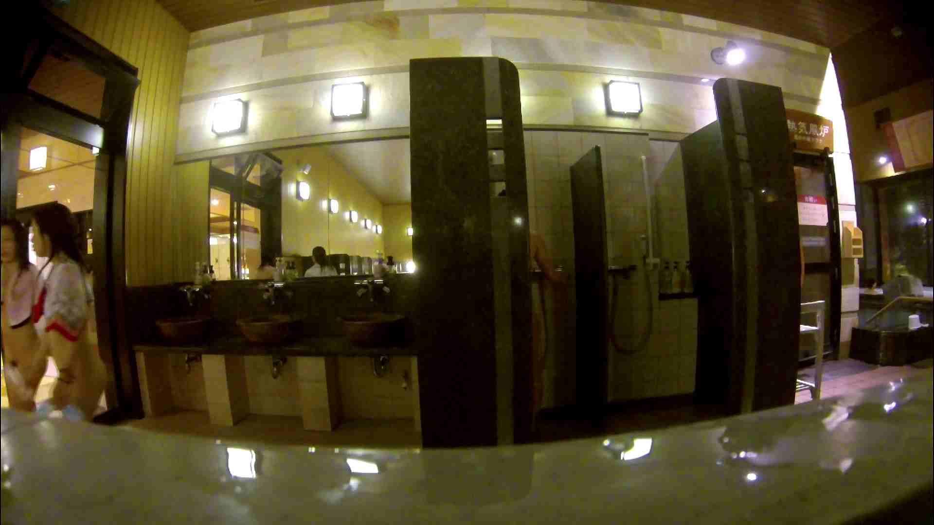 オムニバス!出入り口~シャワー~メイク室と移動。たくさんの女性が登場します アラ30  112PIX 59