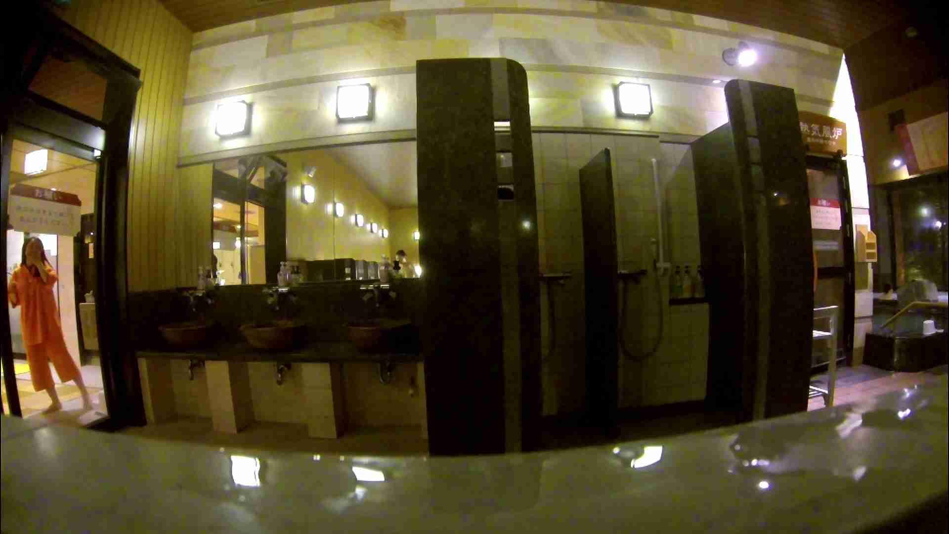 オムニバス!出入り口~シャワー~メイク室と移動。たくさんの女性が登場します アラ30  112PIX 60