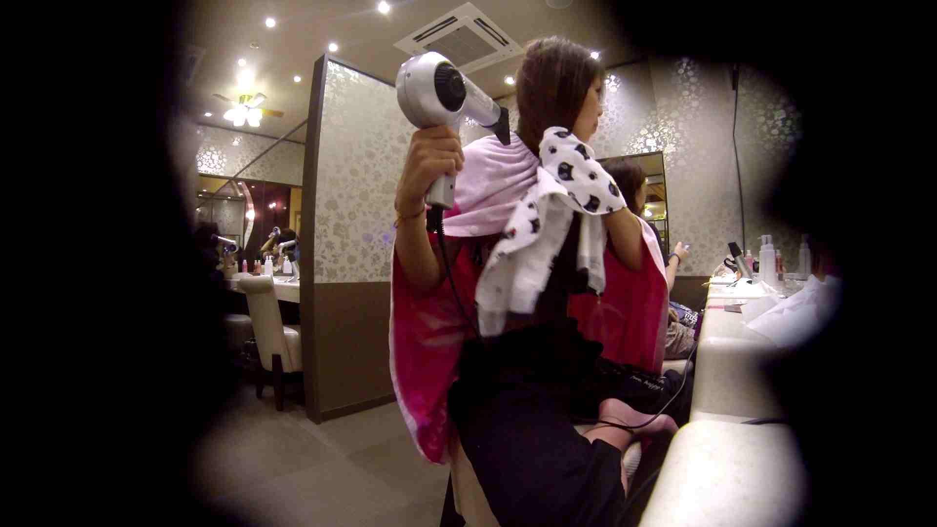 オムニバス!出入り口~シャワー~メイク室と移動。たくさんの女性が登場します アラ30  112PIX 80