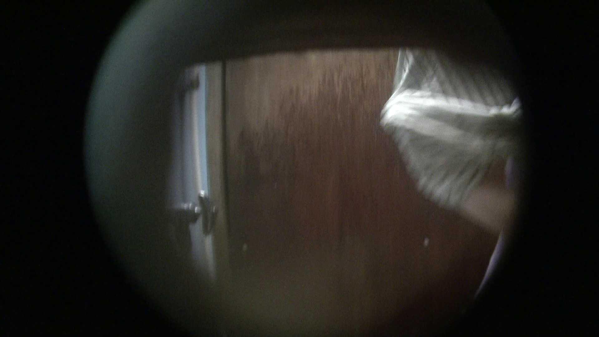 NO.01 胃下垂気味のへそピアスギャル 覗き  72PIX 11