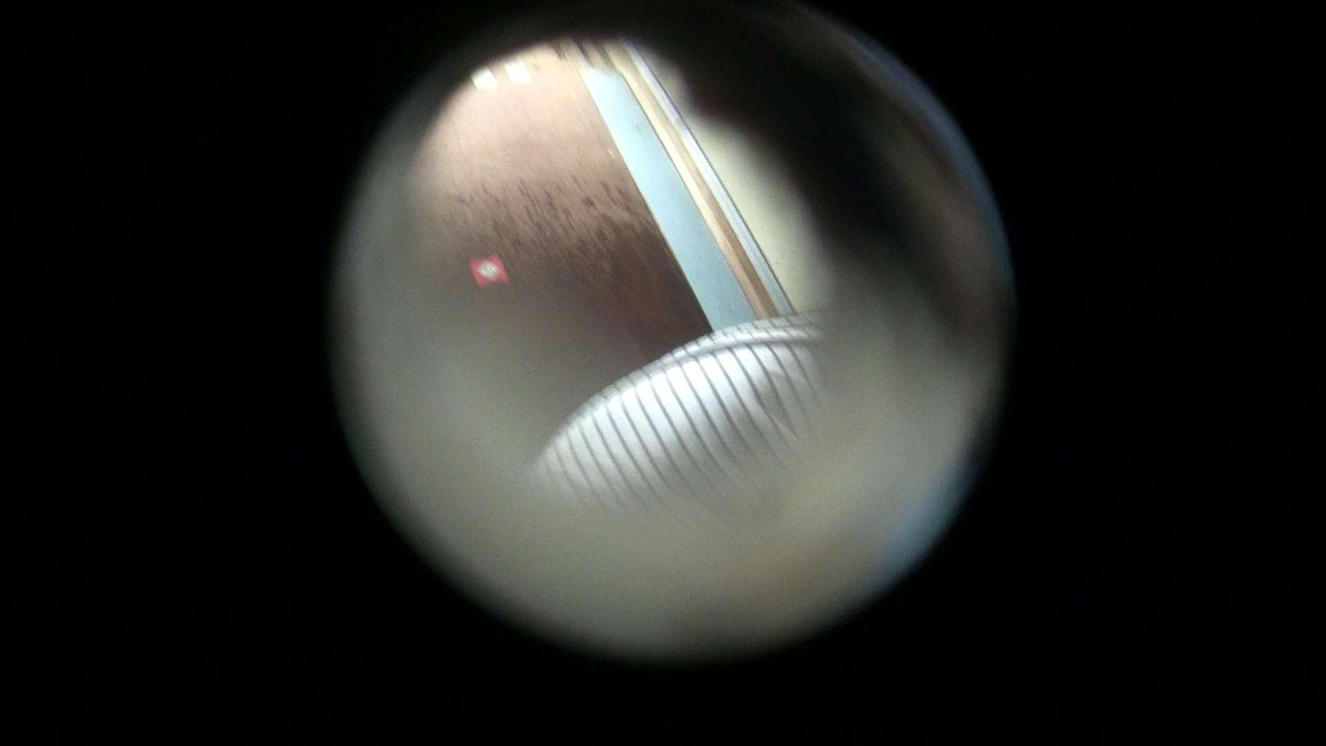 NO.01 胃下垂気味のへそピアスギャル 覗き  72PIX 19
