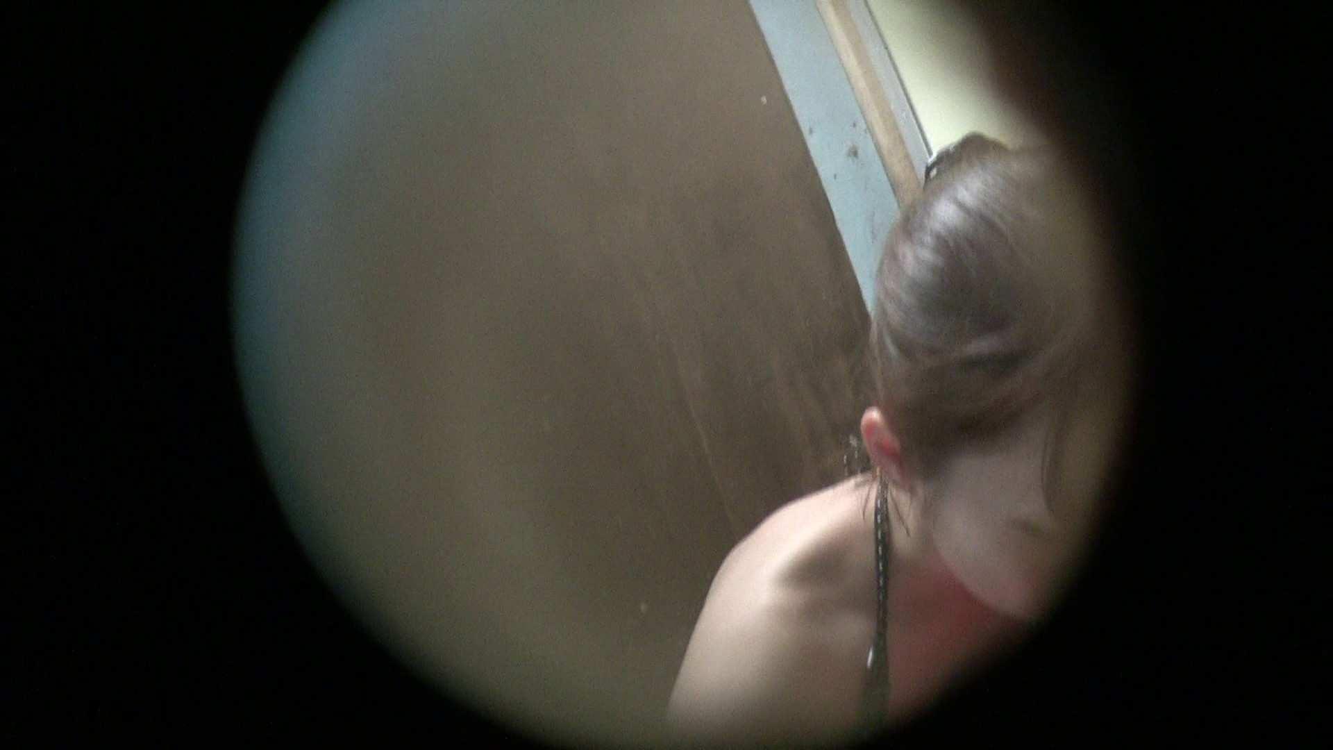NO.01 胃下垂気味のへそピアスギャル 覗き  72PIX 21