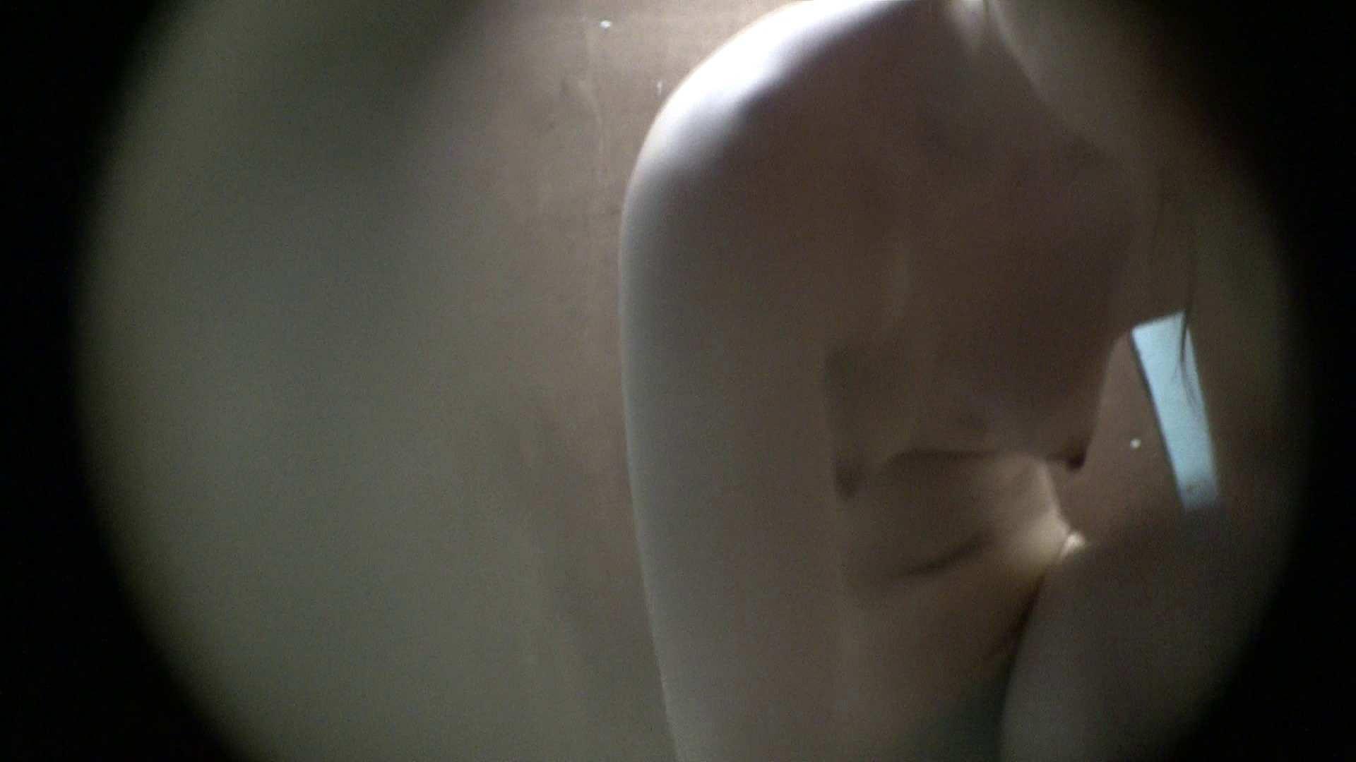NO.01 胃下垂気味のへそピアスギャル 覗き  72PIX 31