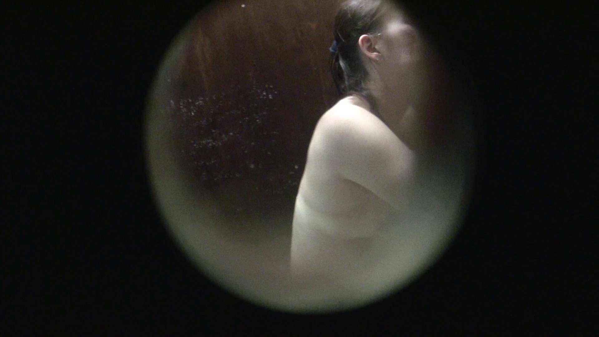 NO.01 胃下垂気味のへそピアスギャル 覗き  72PIX 66