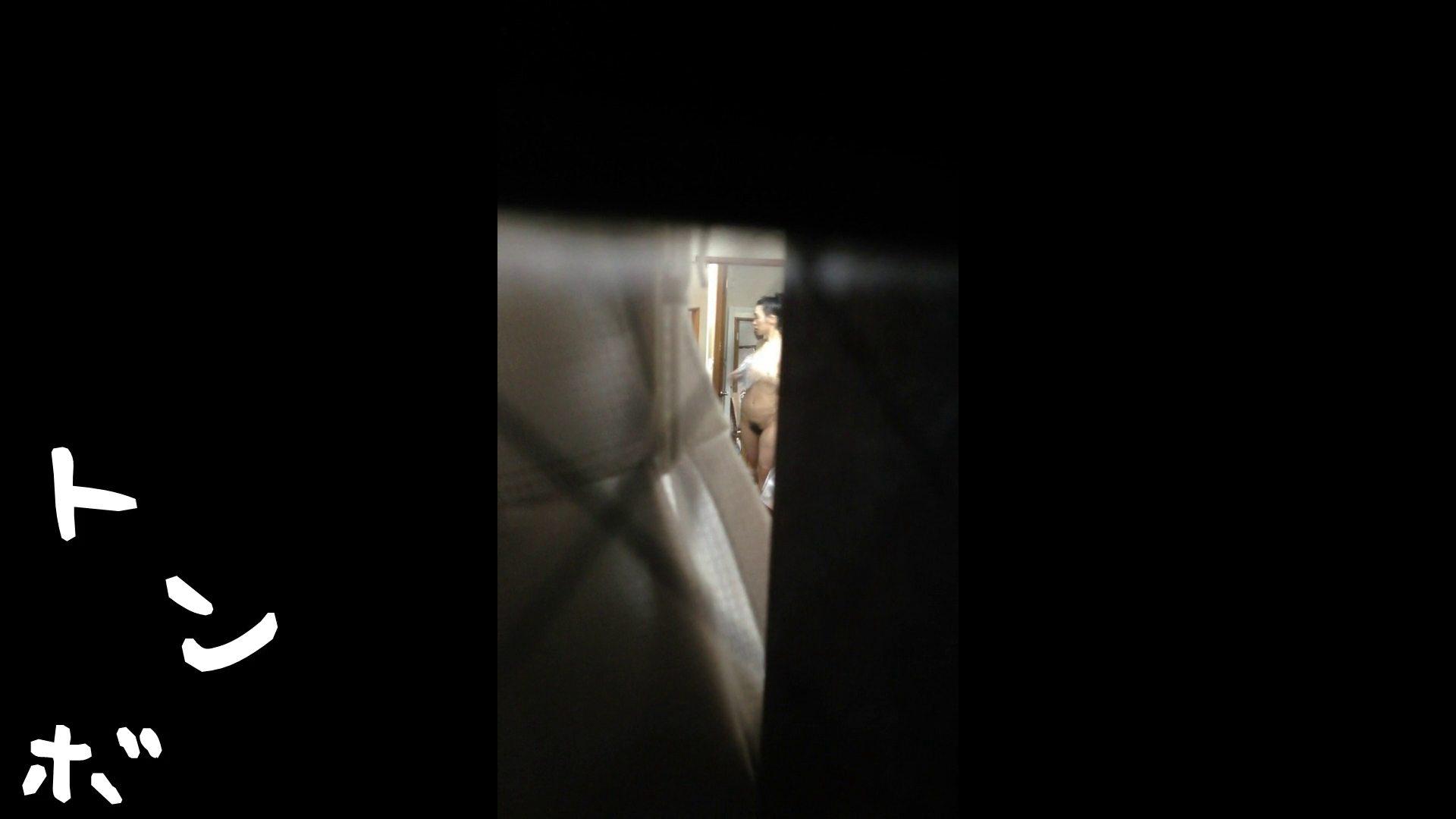 【リアル盗撮】元ジュディマリのYIUKI似 某歌手丸秘ヌード シャワー室  72PIX 10