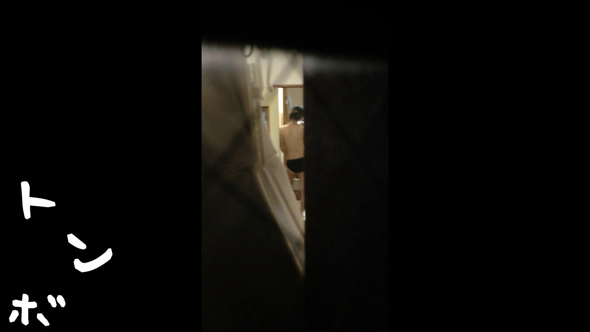 【リアル盗撮】元ジュディマリのYIUKI似 某歌手丸秘ヌード シャワー室  72PIX 28