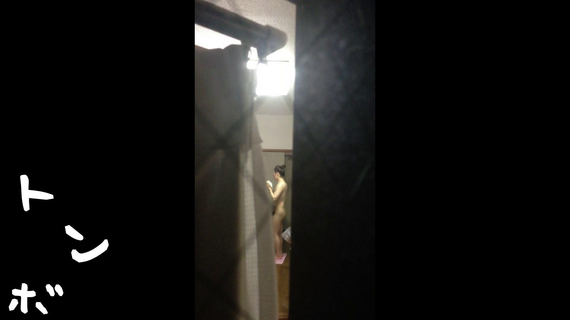 【リアル盗撮】元ジュディマリのYIUKI似 某歌手丸秘ヌード シャワー室  72PIX 34