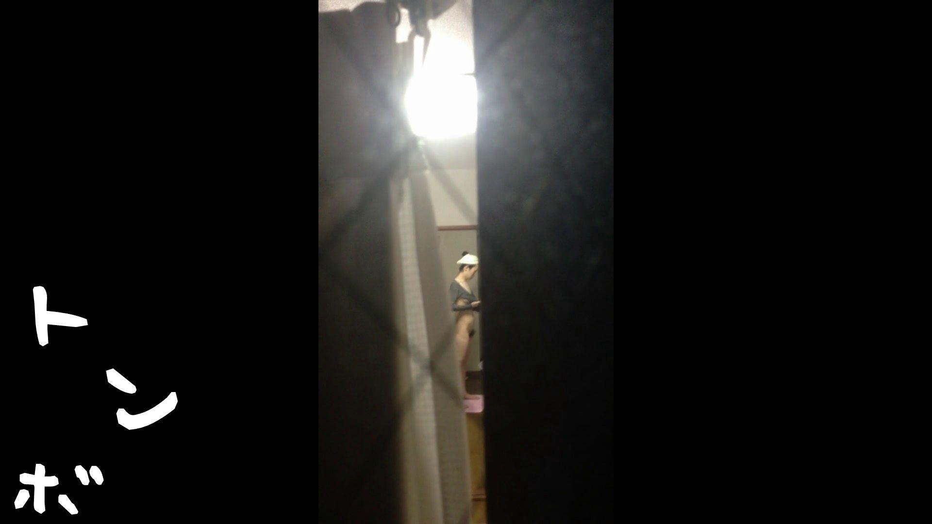 【リアル盗撮】元ジュディマリのYIUKI似 某歌手丸秘ヌード シャワー室  72PIX 37