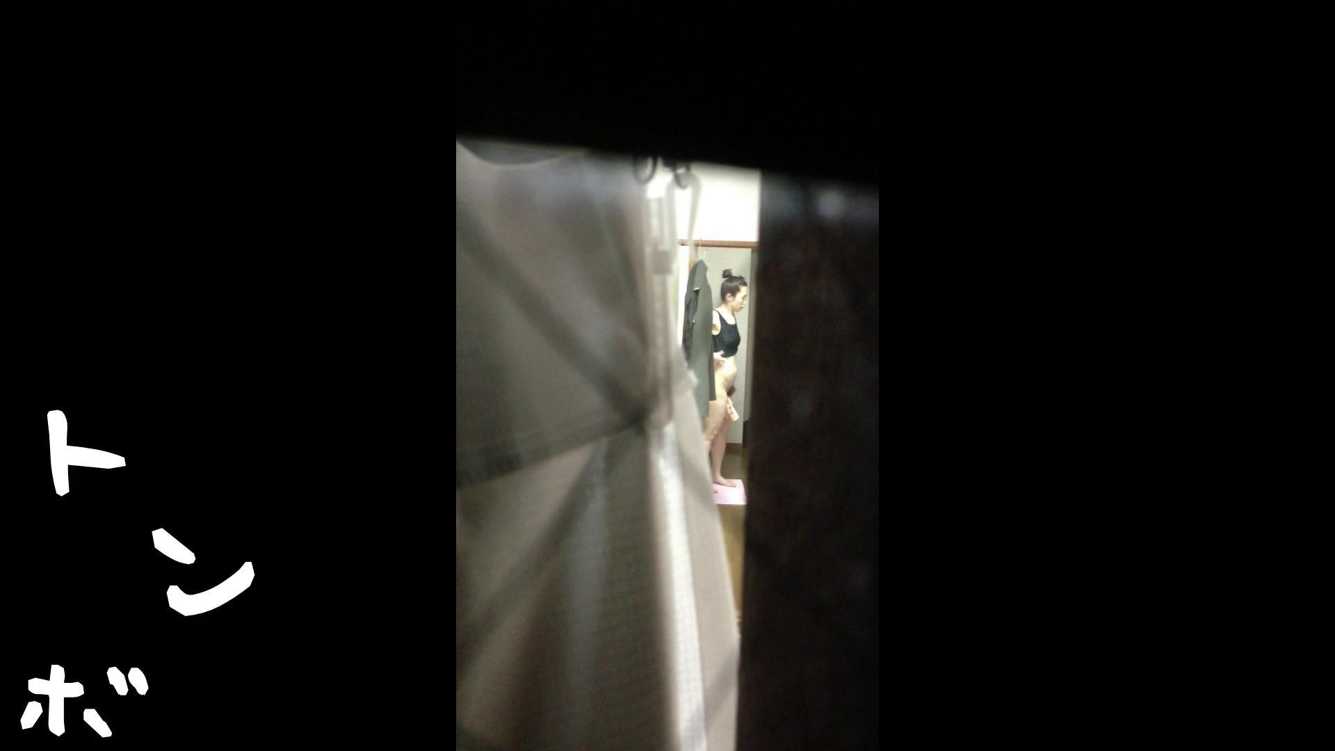 【リアル盗撮】元ジュディマリのYIUKI似 某歌手丸秘ヌード シャワー室  72PIX 45