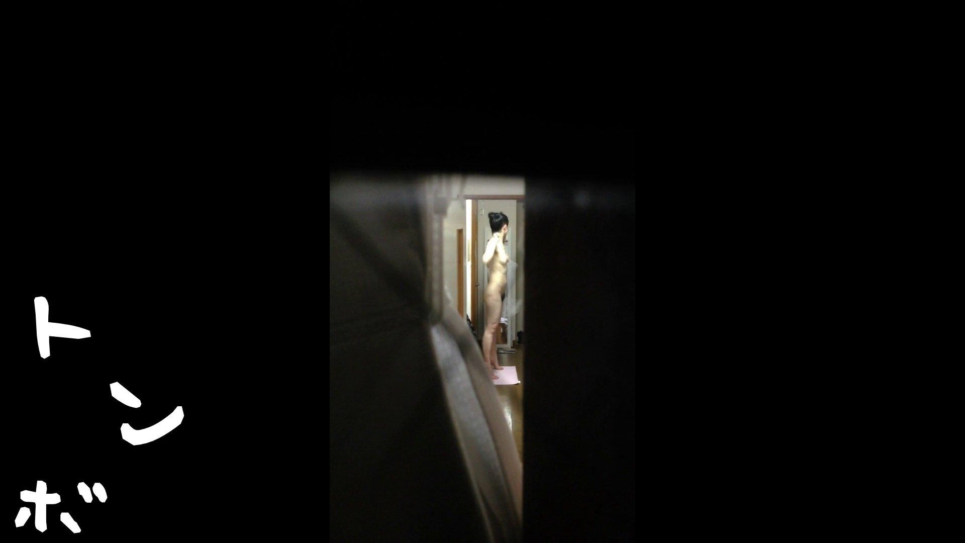 【リアル盗撮】元ジュディマリのYIUKI似 某歌手丸秘ヌード シャワー室  72PIX 55