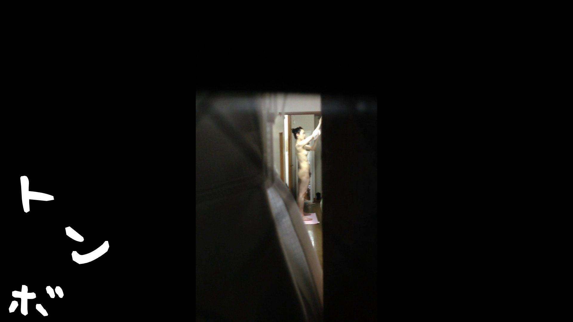 【リアル盗撮】元ジュディマリのYIUKI似 某歌手丸秘ヌード シャワー室  72PIX 57