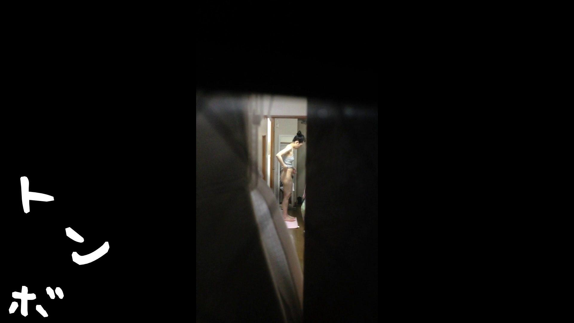 【リアル盗撮】元ジュディマリのYIUKI似 某歌手丸秘ヌード シャワー室  72PIX 62