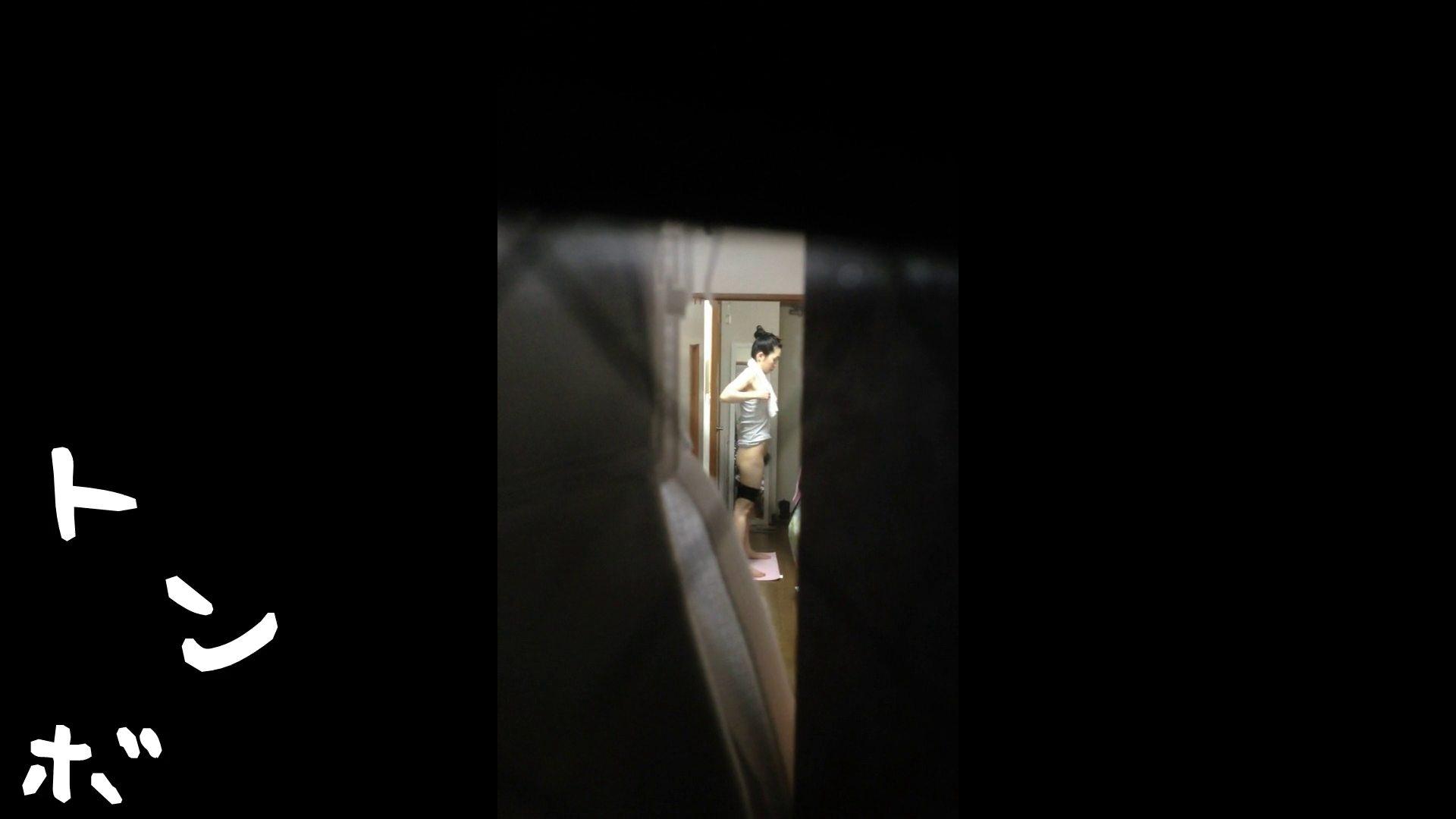 【リアル盗撮】元ジュディマリのYIUKI似 某歌手丸秘ヌード シャワー室  72PIX 64