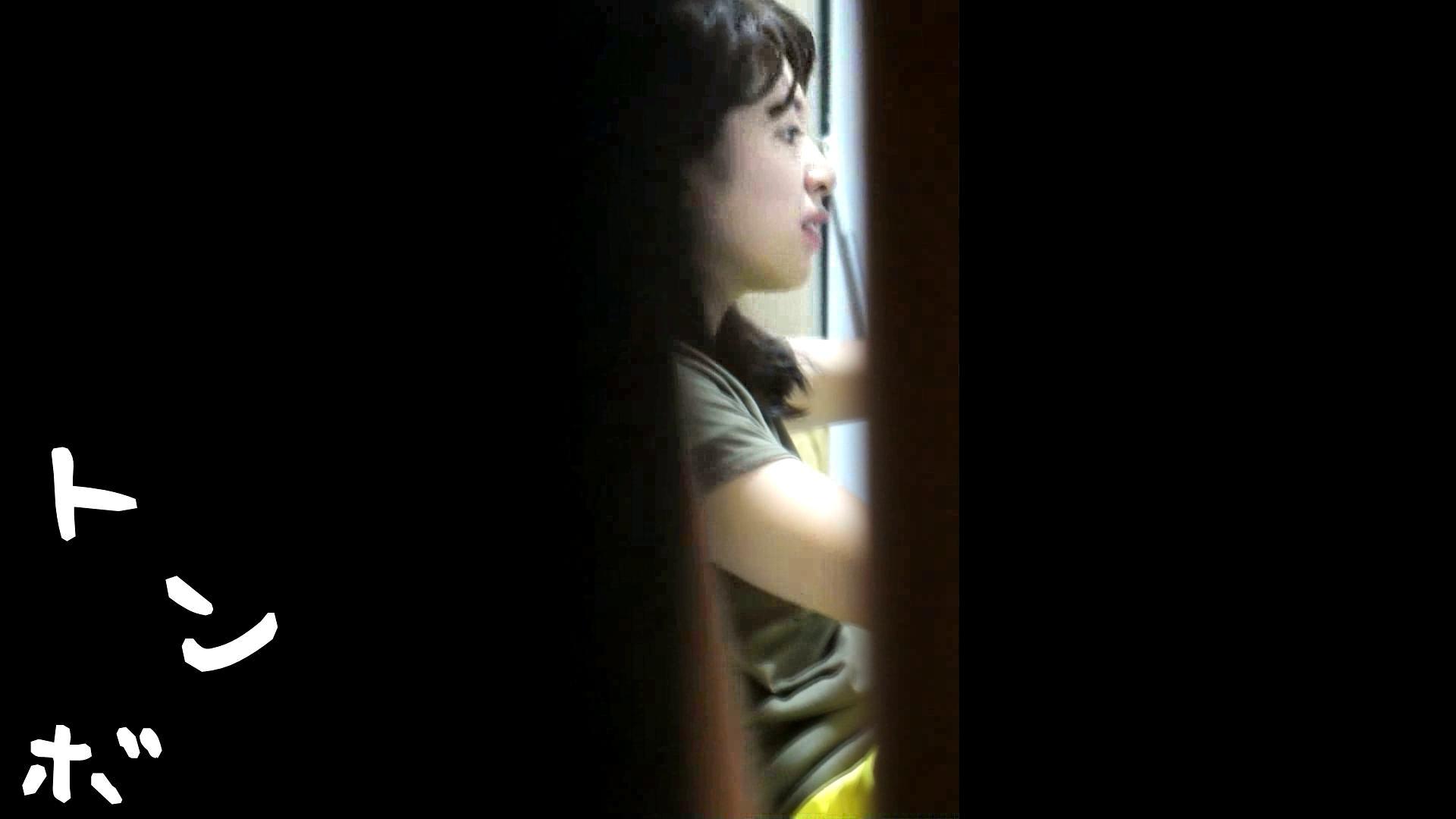 リアル盗撮 ピアスが可愛い一人暮らし女子大生の部屋ヌード 桃色乳首  94PIX 4
