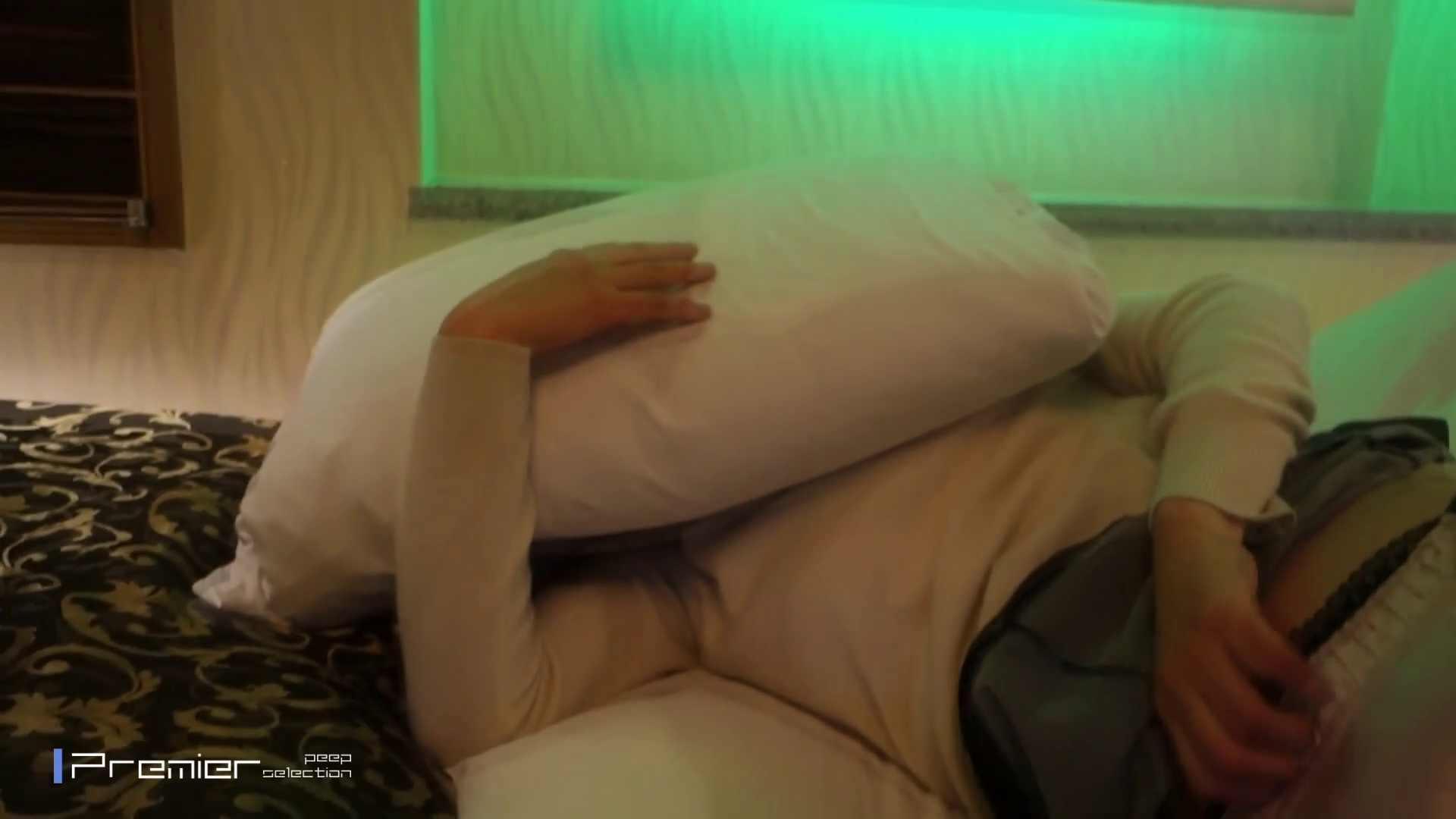 美女達の私生活に潜入!【ガチ交渉】清楚系女子大生へのお願い 放nyo&手コキ 高画質  88PIX 4