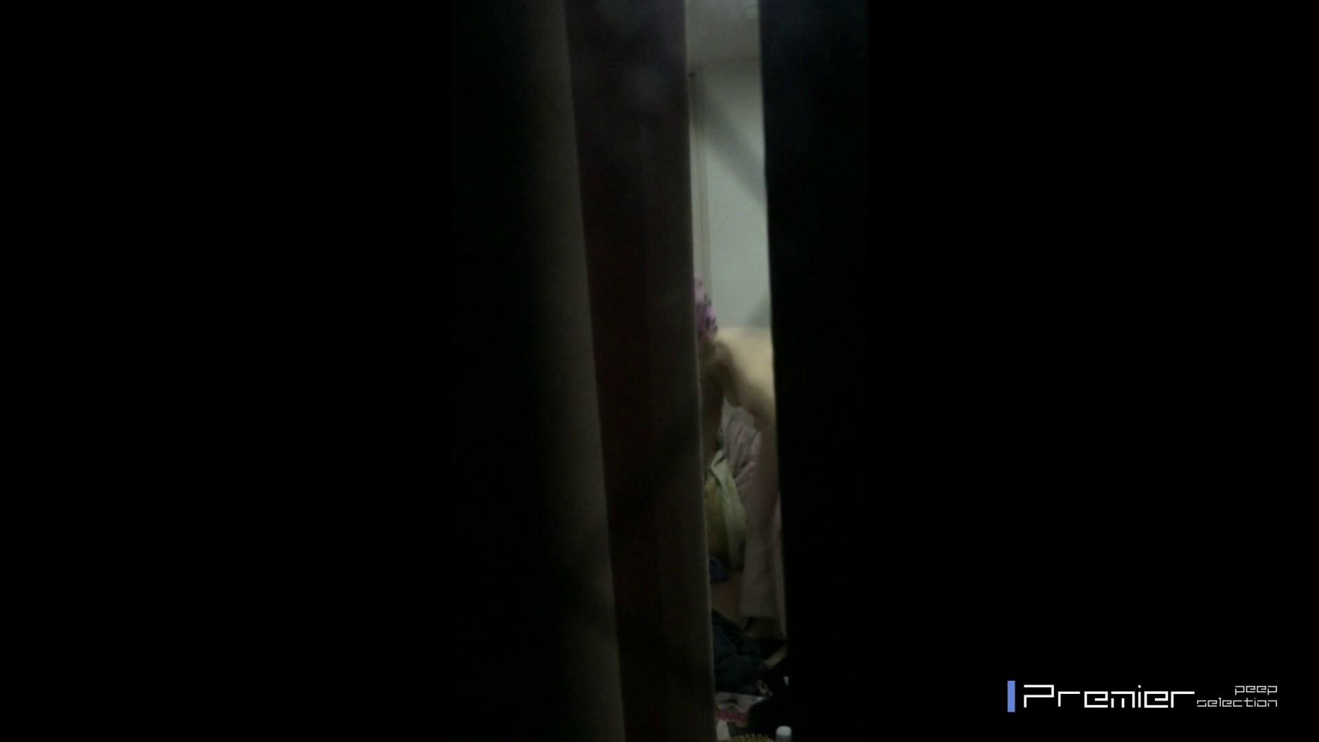 マニア必見!ポチャ達のカーニバル美女達の私生活に潜入! 桃色乳首  64PIX 19