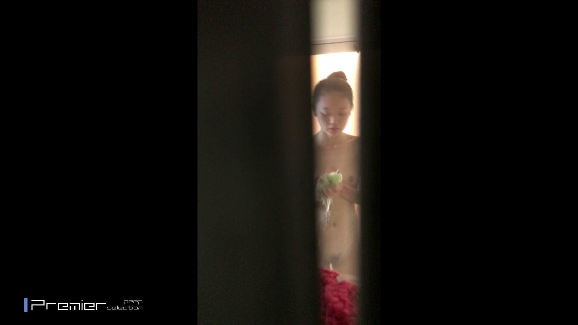 清楚な女末の裸をオカズにしてしまうダメなANIKI  美女達の私生活に潜入!